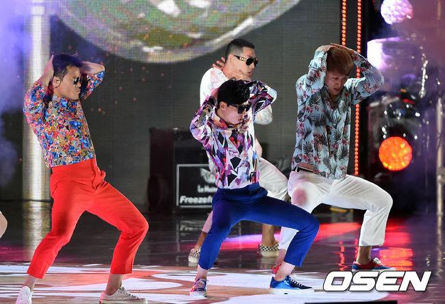 要說韓國最常被模仿的明星 BIGBANG絕對榜上有名 不僅劉大神在邀請BIGBANG參加《無挑歌謠祭》時 大秀了一手《BAE BAE》的模仿功力!