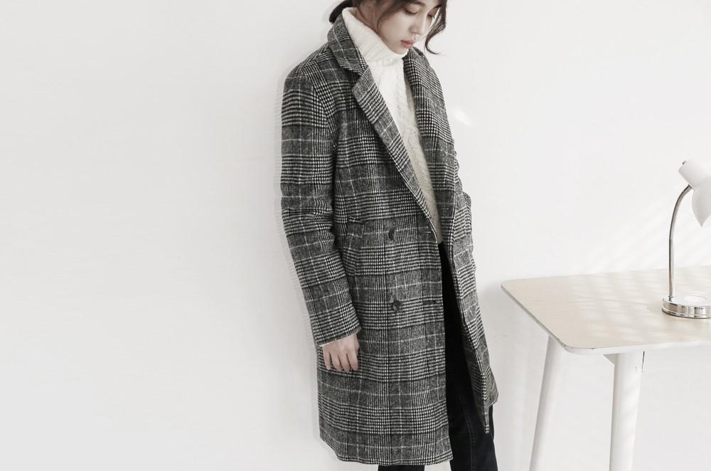 搭配時只要稍稍注意幾點原則,外型顯瘦也能辦到耶♬ 第一點就是選擇較合身剪裁的版型Ex.大衣外套。