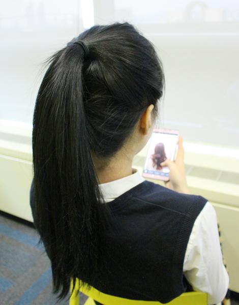 今天第一個要示範的是青春俏麗的高馬尾髮型