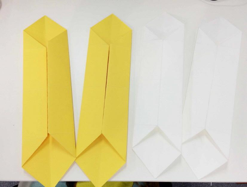 同樣的方法把四個都疊好! *26x26(cm) 2張, 25x25(cm) 2張