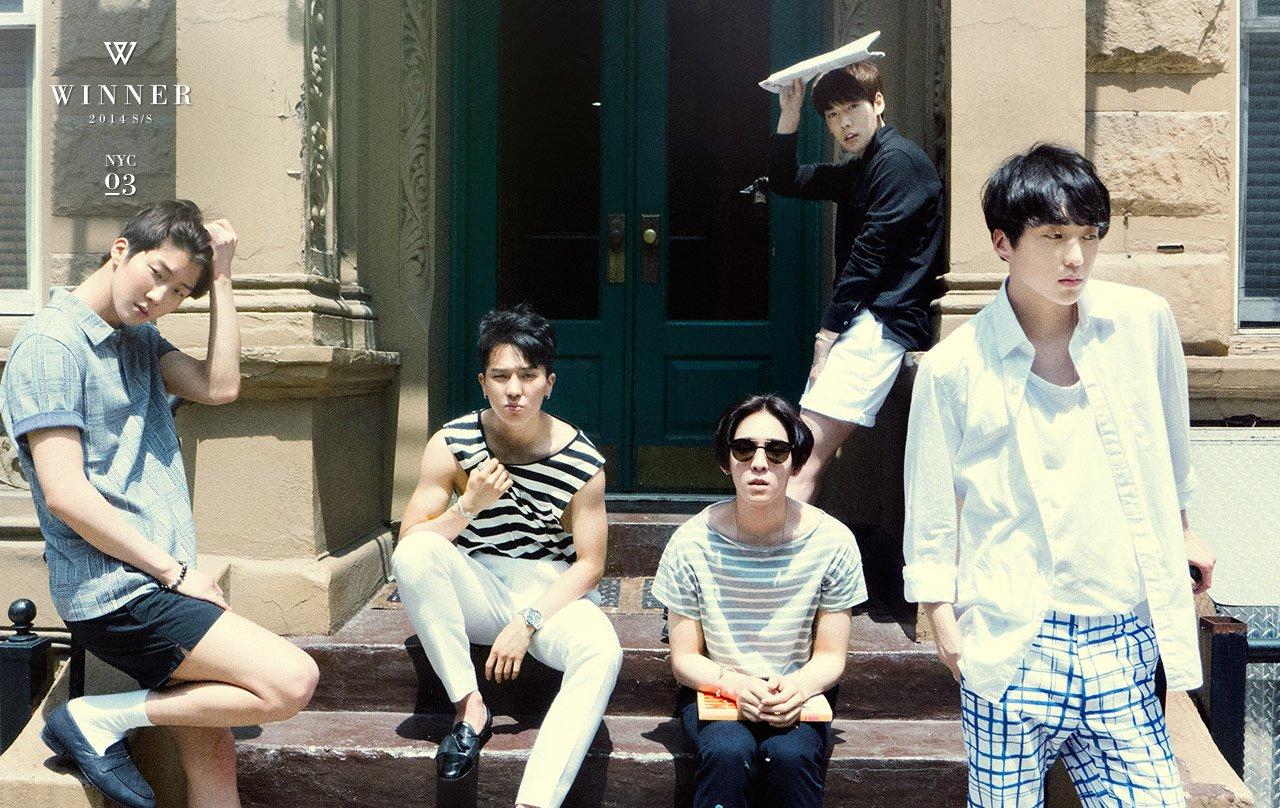 韓國網友簡單明瞭只說了:「明明出道不久還算蠻新人的,為什麼要把它們藏起來?讓人鬱悶的YG」