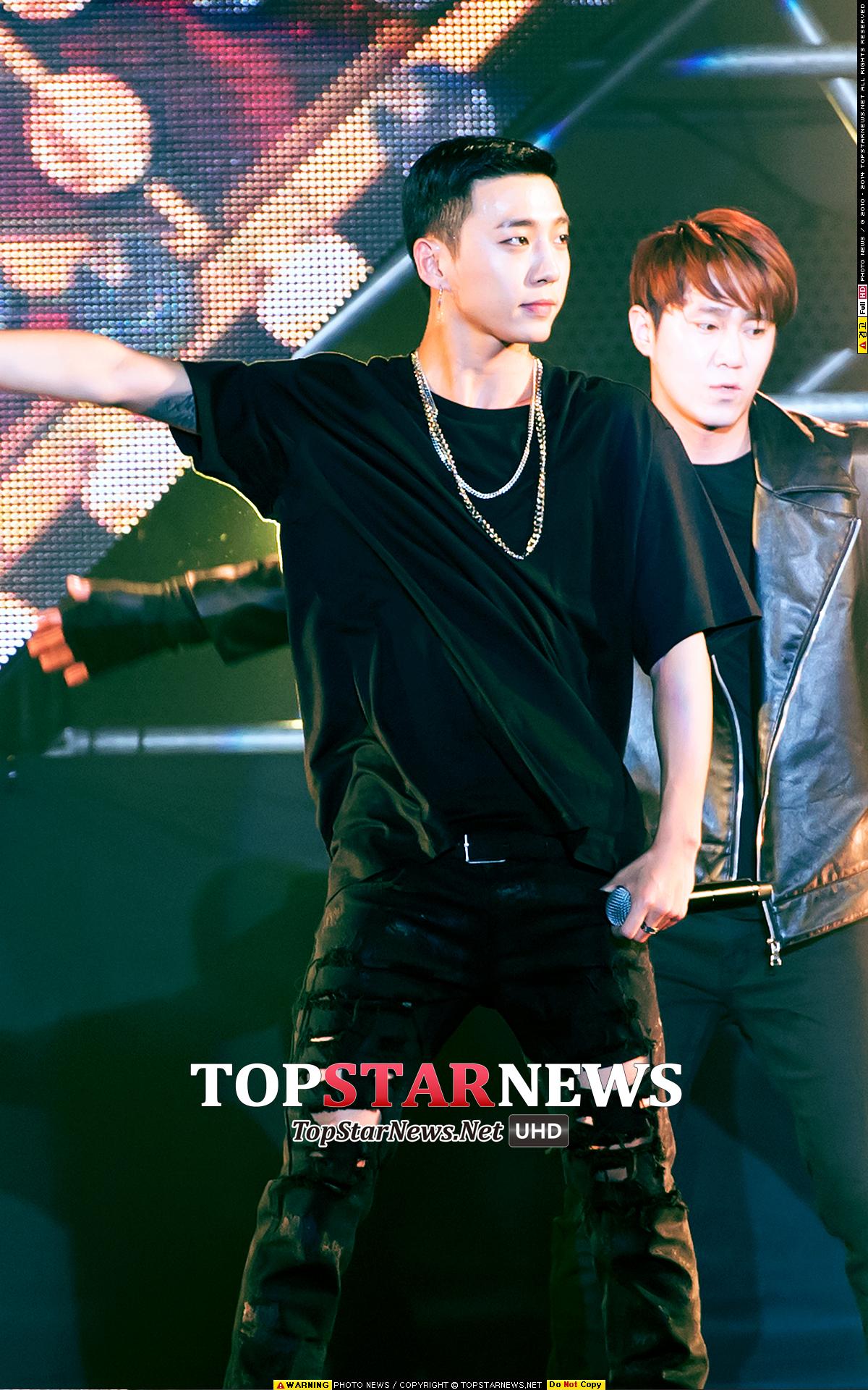 7.B.A.P 方容國 韓國網友真的選了不少野性男!感覺他們的汗水都會是香的(誤)小編也好想被方容國抱喔ㅜ.ㅜ