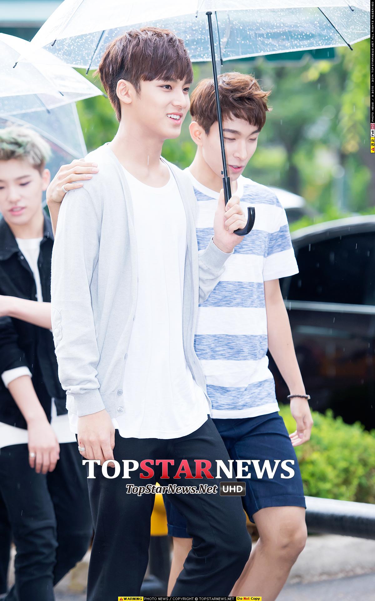 9.Seventeen 珉奎 珉奎也讓小編意外了!!因為韓國媒體也曾經說過珉奎是讓姐姐飯激起保護本能的萌男孩的說XD