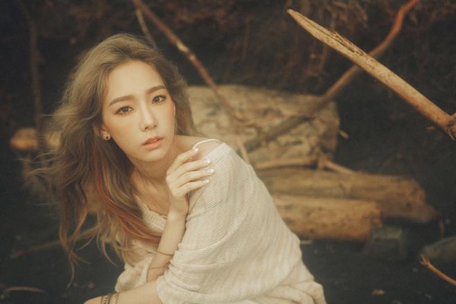 ♡ 少女時代 太妍《I》11 次一位  被譽為最強新人的太妍,在今年 10 月發行了首張個人 SOLO 專輯《I》,不僅是各大音源榜的冠軍歌曲,專輯銷量也不容小覷。