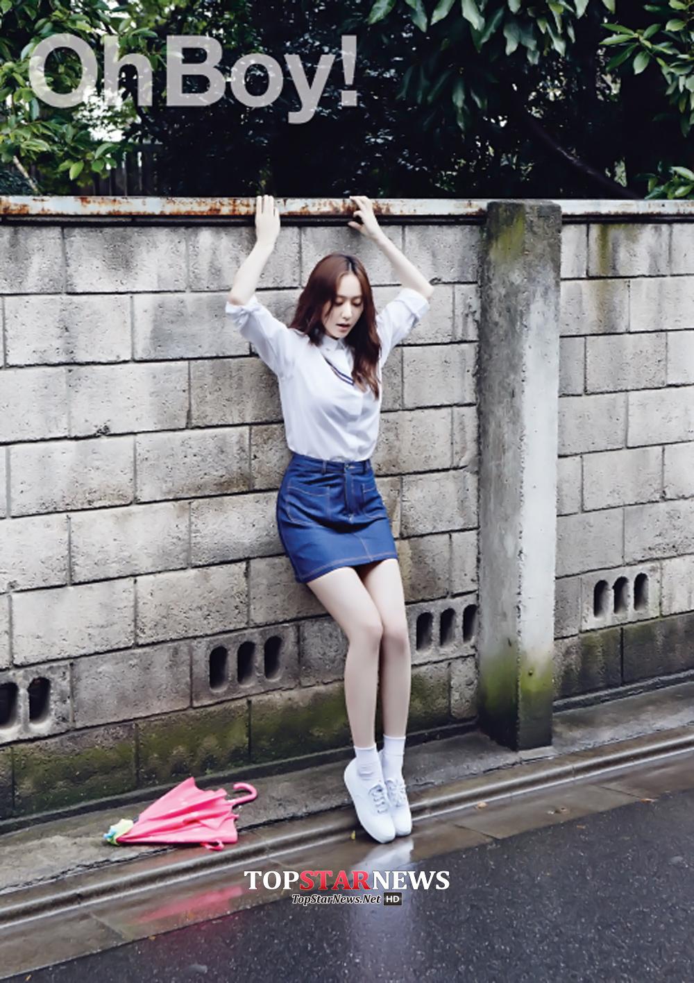 #8.f(x) Krystal 只要提到韓國女生夢寐以求的身材 就絕對不會漏掉的水晶,不僅11字腹肌有名 即使穿上合身的牛仔短裙也能展露曲線,就算4walls 打歌間 穿著喇叭褲也一點都不突兀或顯胖的好身材也讓她奪下這個榜單的第8名