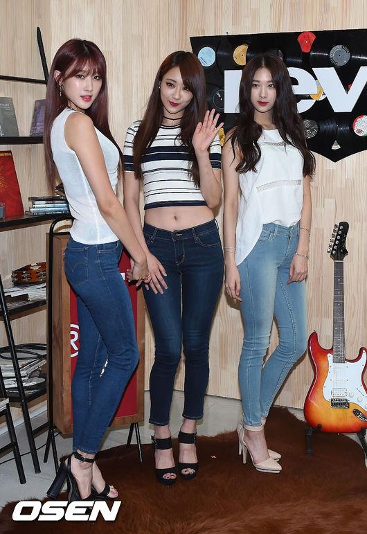#3.9MUSES 倞利 因為成員各個9頭身的模特般身材,被稱為韓國「比例最完美」的女團組合 雖然近日因為她的照片被誤用在過度強調性感的海報上引起風波 但也因為這樣的事件,讓她的知名度在媒體間更為提升,也更讓大眾看見她的好身材