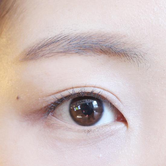 首先準備好你上完基礎底妝的眼睛^^!