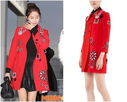 同樣是紅外套,不過潤娥的則是充滿裝飾藝術的大衣,這是Marc Jacobs的外套,當天的包包也是Marc Jacobs的喔!外套約158,000元 (已哭)