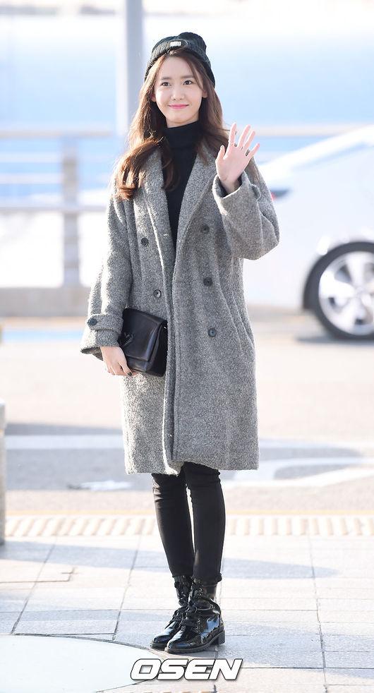 不過潤娥的外套並不是每件都是天價品,上次來台灣的時候就穿了自己代言的外套!