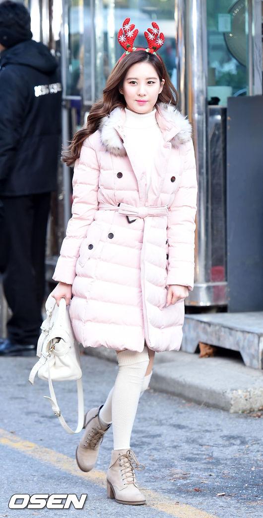 好羨慕能夠穿這種外套的女孩~為何小編穿起來就像米其林寶寶?? (淚已濕)