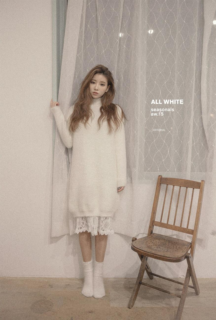 白色長版毛衣下內搭蕾絲襯裙,再搭配個浪漫長捲髮...超萌的精靈系STYLE♥