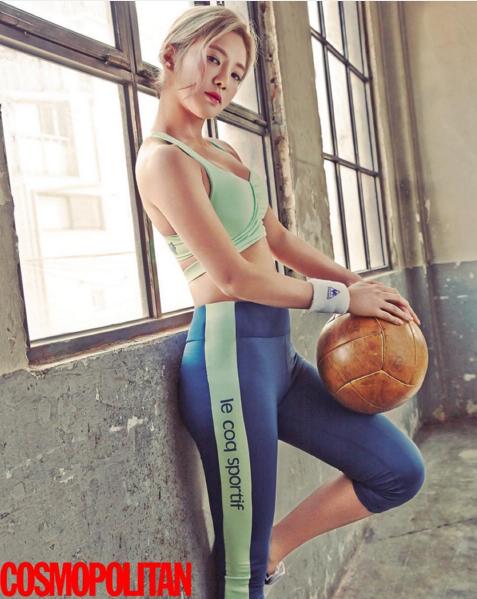 孝淵最近替雜誌拍了一組運動畫報,說到少女時代中,運動量最大、最有運動神經的就是她,而為了保持身材,除了勤奮運動,孝淵也以大水牛出名,每天都要喝大量的水來保持美貌!