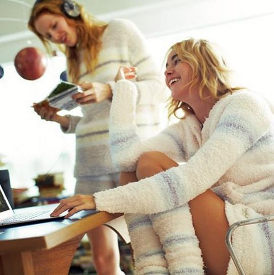 說到冬天暖呼呼的家居服就絕不能少了珊瑚絨材質♥光是摸著的觸感就好‧喜‧歡‧啊~~