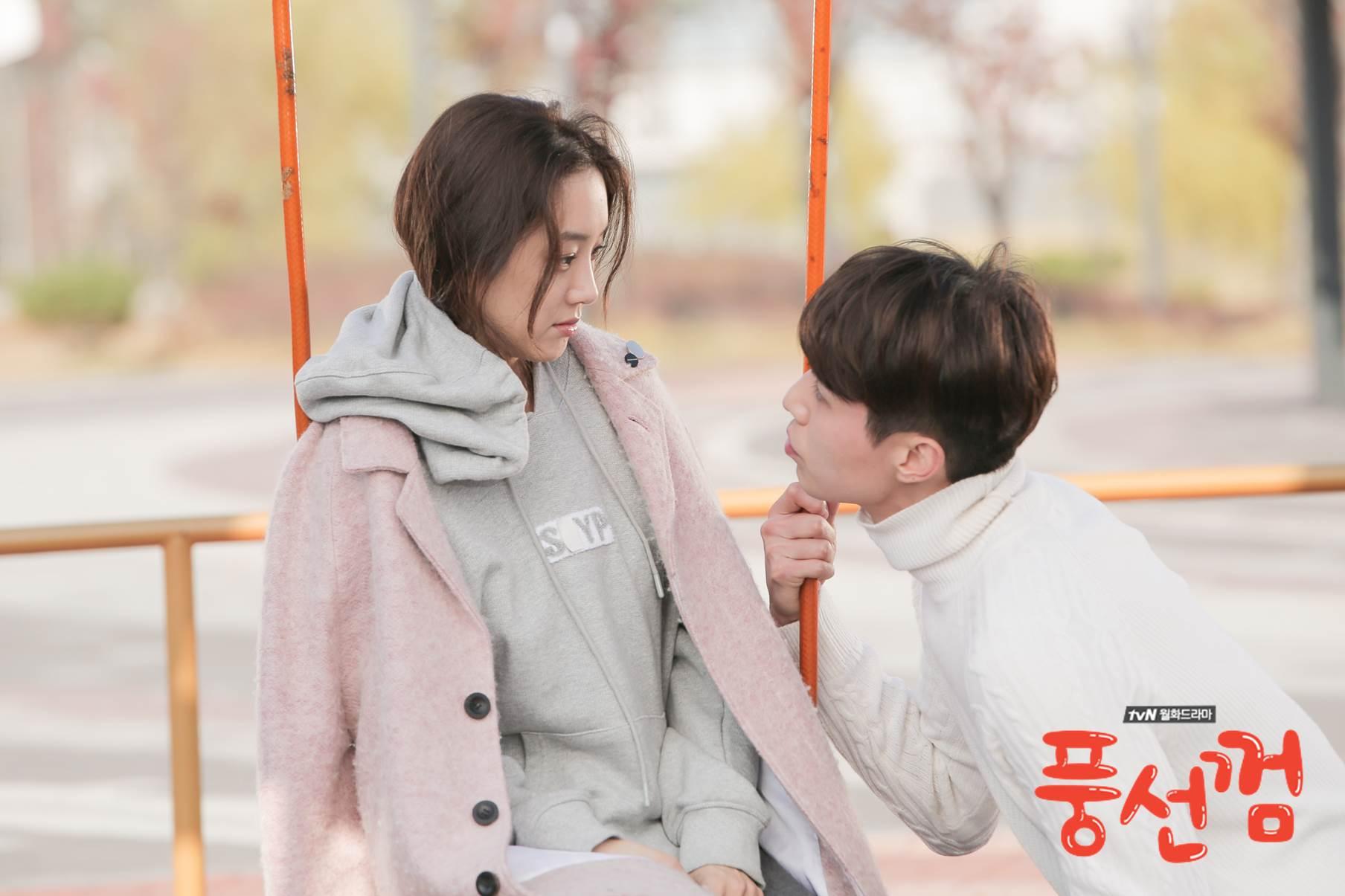 10.《泡泡糖》 以漢方醫院和電台為背景,主要在講述了4位各自存在缺陷的人,與別人相遇互相彌補並成長的成人童話。話說鄭麗媛在劇中的穿搭,成為最近韓國女性們討論的話題之一呦~