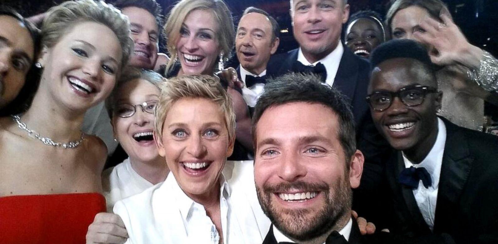 這張有名的照片就這樣誕生了...這張照片被上傳大Twitter後,在全球被轉發1470萬次...成為Twitter史上轉發最多的照片...☆