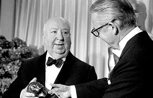 2. 最簡短但厚重的一句話 1968年,榮獲名譽終身成就獎的好萊塢巨匠亞佛烈德·希區考克(已故) 。