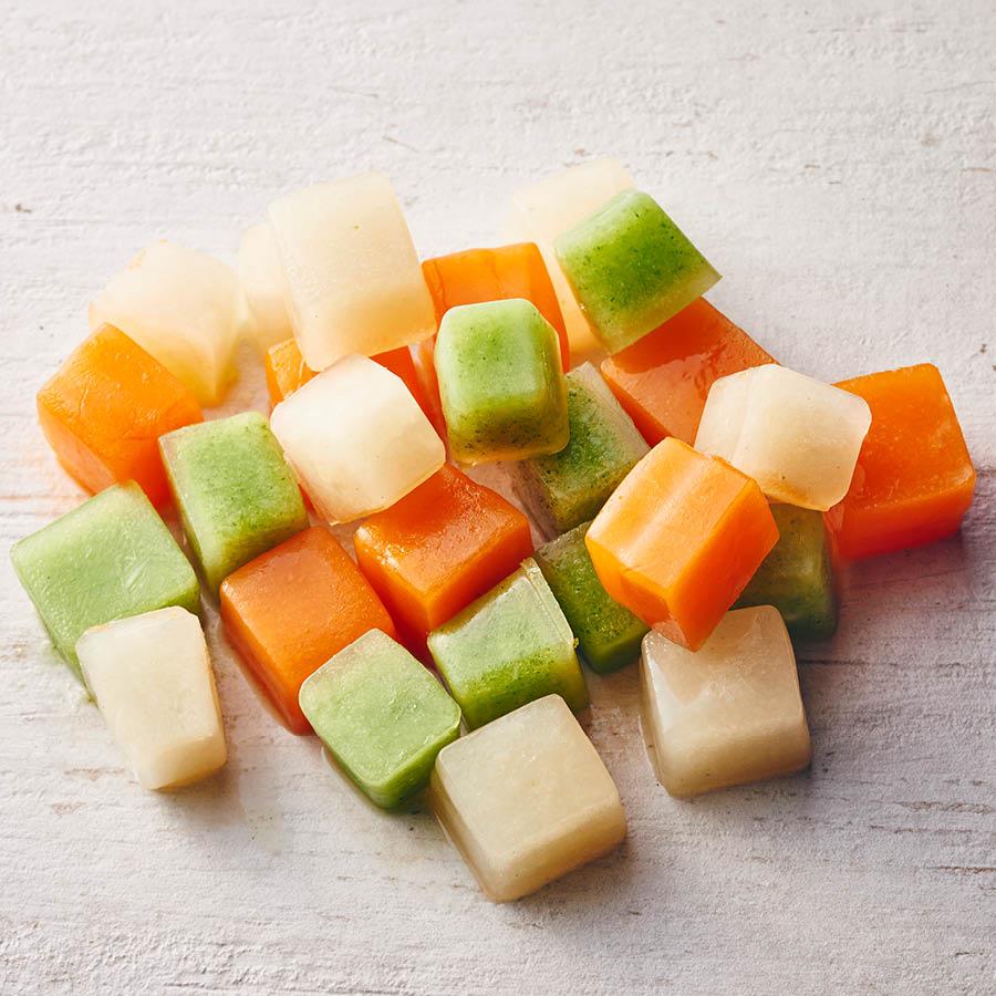 鏘鏘~~蔬菜冰塊大功告成!看上去跟冰棒差不多,感覺夏天吃會更美味呢!