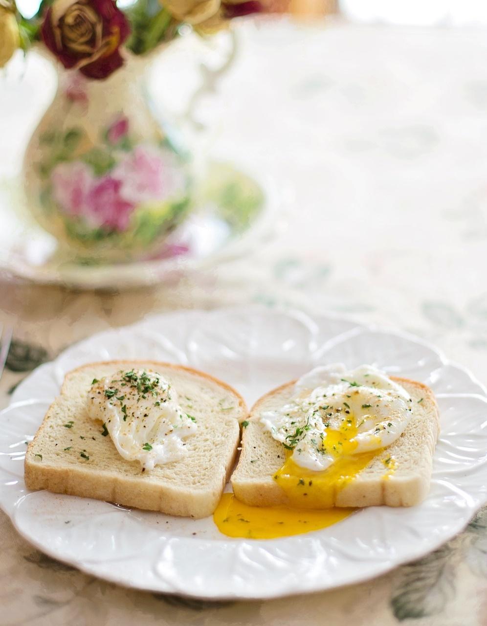 2.不吃早餐 早餐吃蛋白質可提升代謝率。若一路餓到中午才吃,不但不會瘦,還更容易變胖。