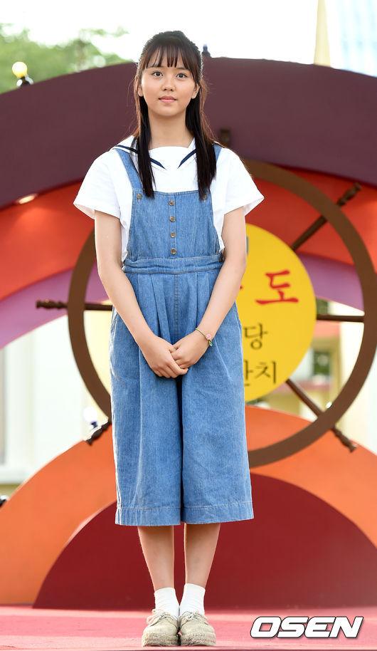 這次跟金所炫一起出演的電影-純情,確定在2月上映