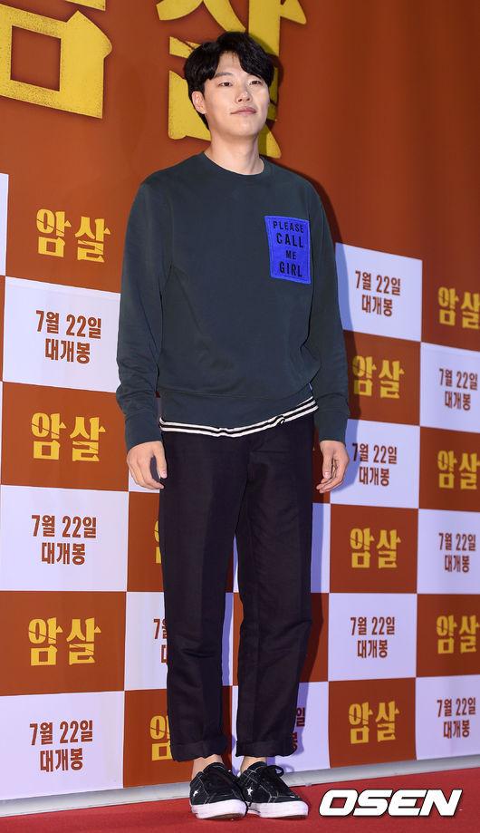 最近在《請回答1988》獲得超高人氣的演員柳俊烈