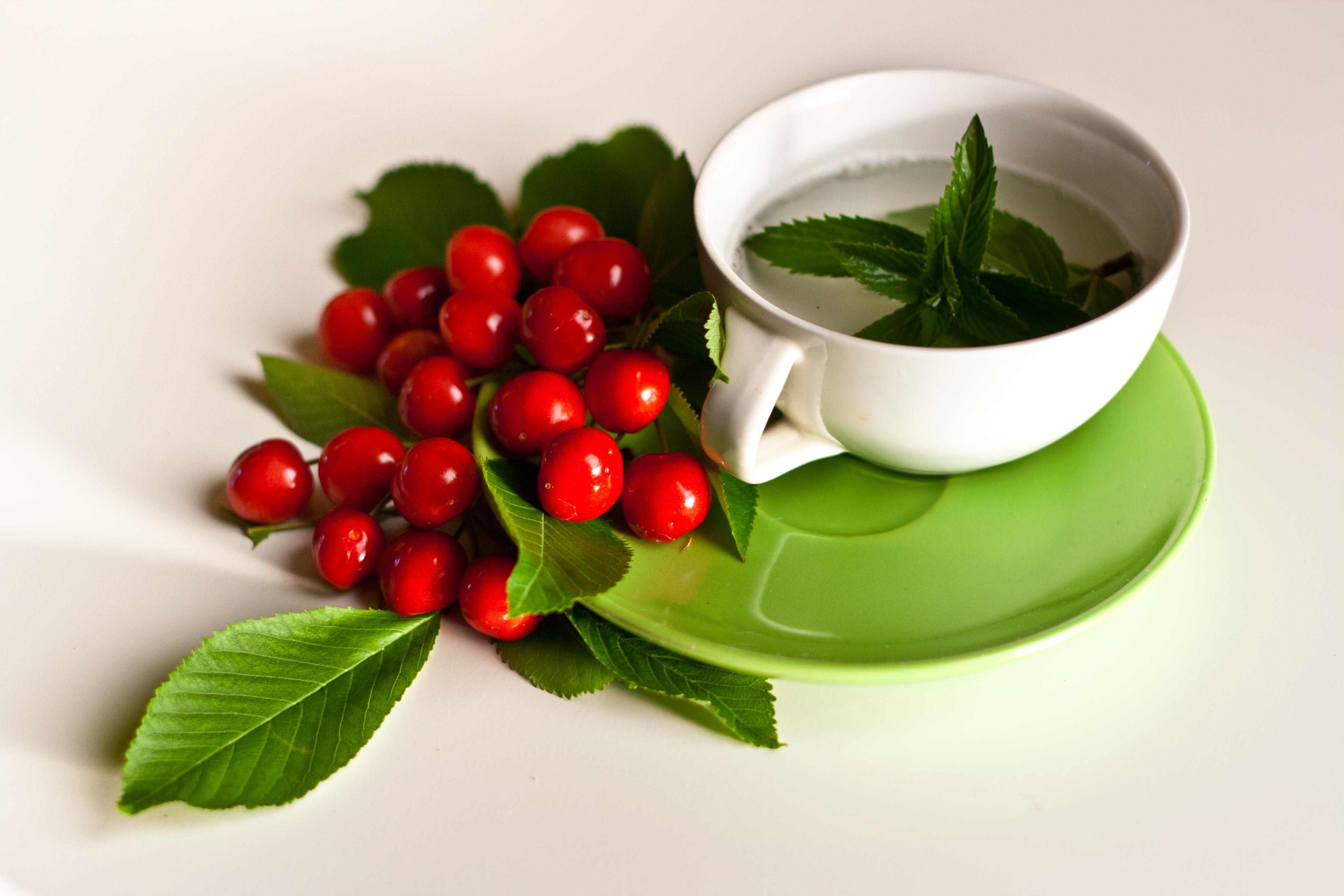 另一個推薦的飲品是「薄荷茶」。Peppermint對調節肌膚的油&水很有效喔!