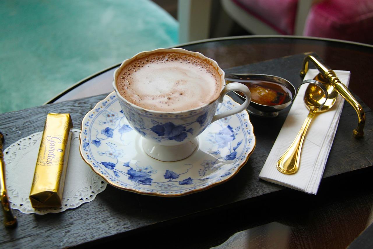 連小孩子也愛喝的熱巧克力對暖身體真的很有效耶♬尤其對趨緩手腳冰冷的症狀很有效果,同樣有效果的還有生薑。