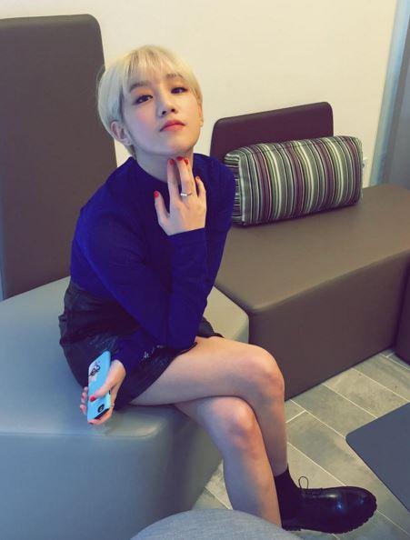 *朴寶藍 朴寶藍在今年4月推出歌曲〈CELEPRETTY〉,清新可愛的曲風受到大家的喜愛,今年朴寶藍也在多部戲劇演唱了OST,今年可以說是獲得很不錯的成績。