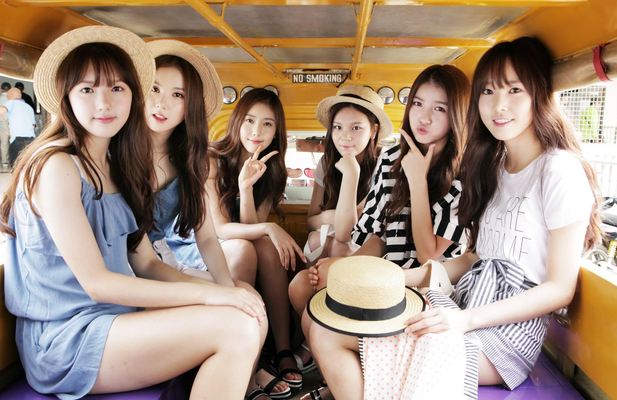 GFriend 女朋友團體今年也是人氣很旺,自從「舞台摔倒」事件後,讓大家看到她們的努力,而且也獲得了今年Melon Music Awards音樂獎的肯定!