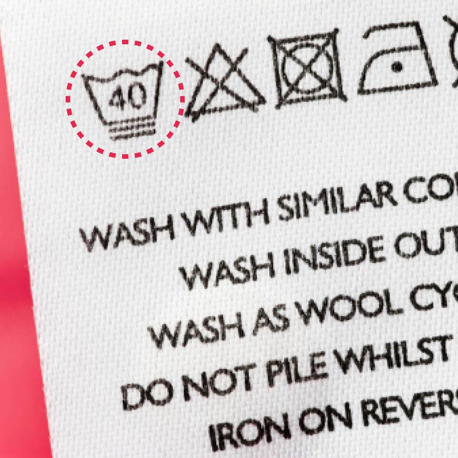 最後還有最重要的一點就是:洗衣服之前一定要先確認機洗、手洗還是乾洗,以及洗衣服時的水溫。