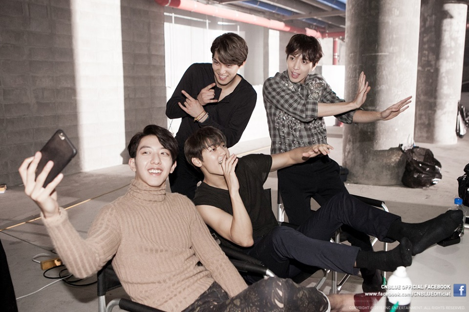 *CNBLUE CNBLUE今年也可以說是過得挺忙碌的,不僅成員正信和宗泫參與戲劇演出,並在今年9月推出第二張正規專輯《2gether》