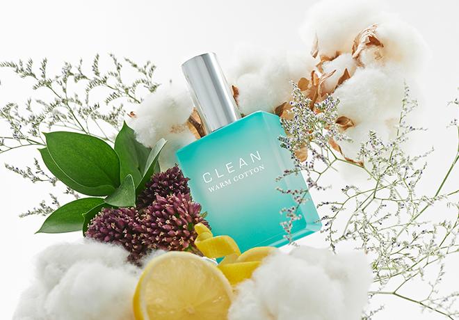 # CLEAN-WARM COTTON 是許多名人愛用的美國香水品牌。WARM COTTON的味道很像衣服剛烘過的味道,淡淡香香的柔軟精味道,好舒服啊!小編自己也是這瓶的愛用者呦…
