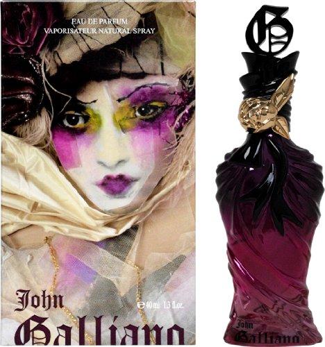 # John Galliano-極致女神淡香精 這包裝看起來跟皂香完全不搭嘎耶!融合佛手柑、玫瑰、薰衣草、麝香等香調,被歸類是白天約最完美的搭配香味。瓶身設計來自於睡衣皺褶概念喔♬
