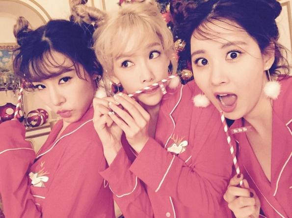 以上就是今年得到最多韓國人喜愛的歌曲TOP15,不過奇怪的是SM家偶像的歌曲咧?明明今年像是太妍的solo歌曲,音源銷量也有很好的成績啊ㅜ.ㅜ可能這個名單的年齡層比較廣(?)所以名次就比較後面?