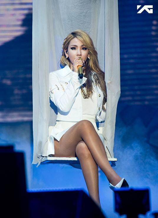 還是有著女王氣勢的 CL 呢?