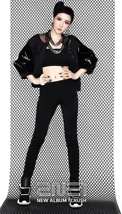 看完真的可以理解韓國女生把朴春當理想身材範本的原因,像這樣穠纖合度的曲線,才是最好看的身形啊!