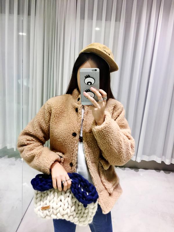 和針織同為保暖功效的玩具熊QQ毛,戴上帽子就是可愛的你們…