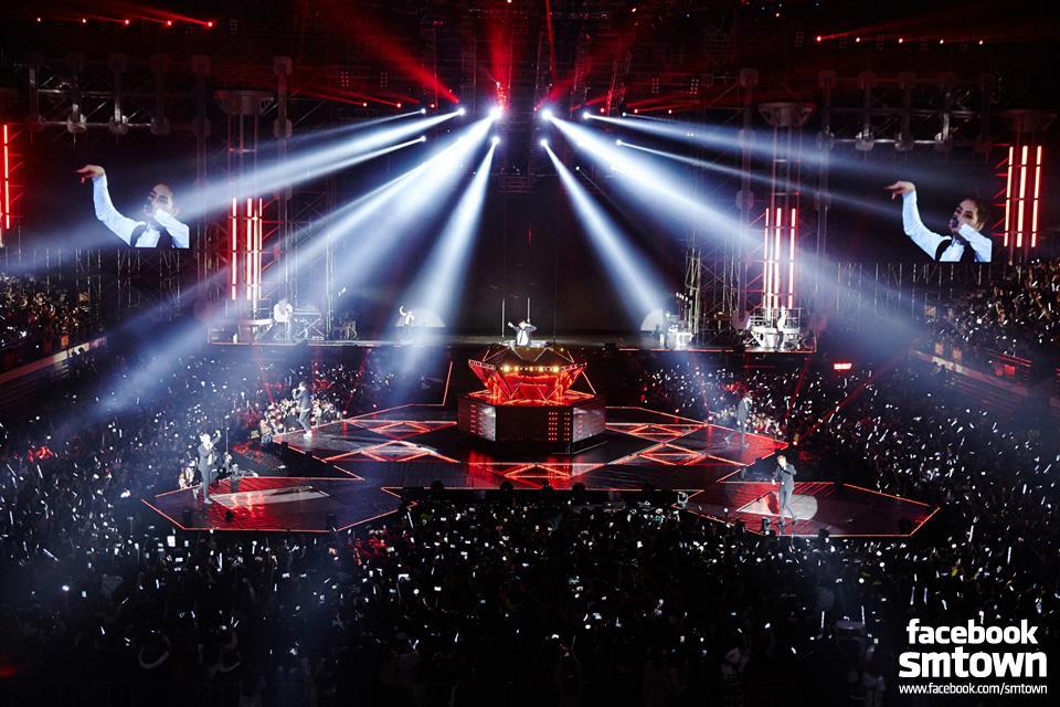 公演藝人:EXO 名次排名:第12名 觀眾人數:44.5萬人 公演場次:13場