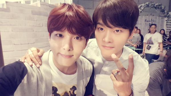 Super Junior 厲旭 前面介紹的VIXX N亂入XD熱衷於收集弟弟的厲旭,歌聲相信聽過的人都知道有多好聽( ♥д♥)