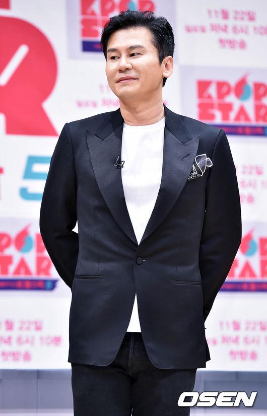2. YG娛樂社長 - 楊賢碩(又譯梁鉉錫) 果然韓國第二大經紀公司也上榜!YG娛樂今年光靠BIGBANG就足以收益滿滿,而新人iKON也以「怪物新人」之姿成功出道!對外界來說「YG出品的實力給滿分肯定」,再加上YG娛樂與旗下藝人的信賴深厚,雙方關係穩定是投資者最在乎的一環!