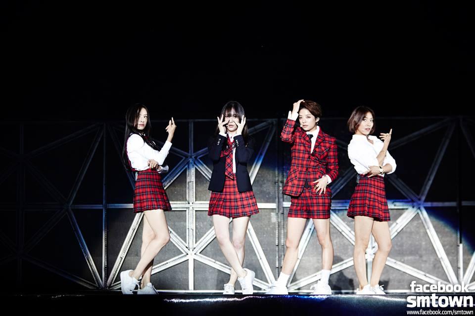 預祝f(x)首次演唱會大成功!
