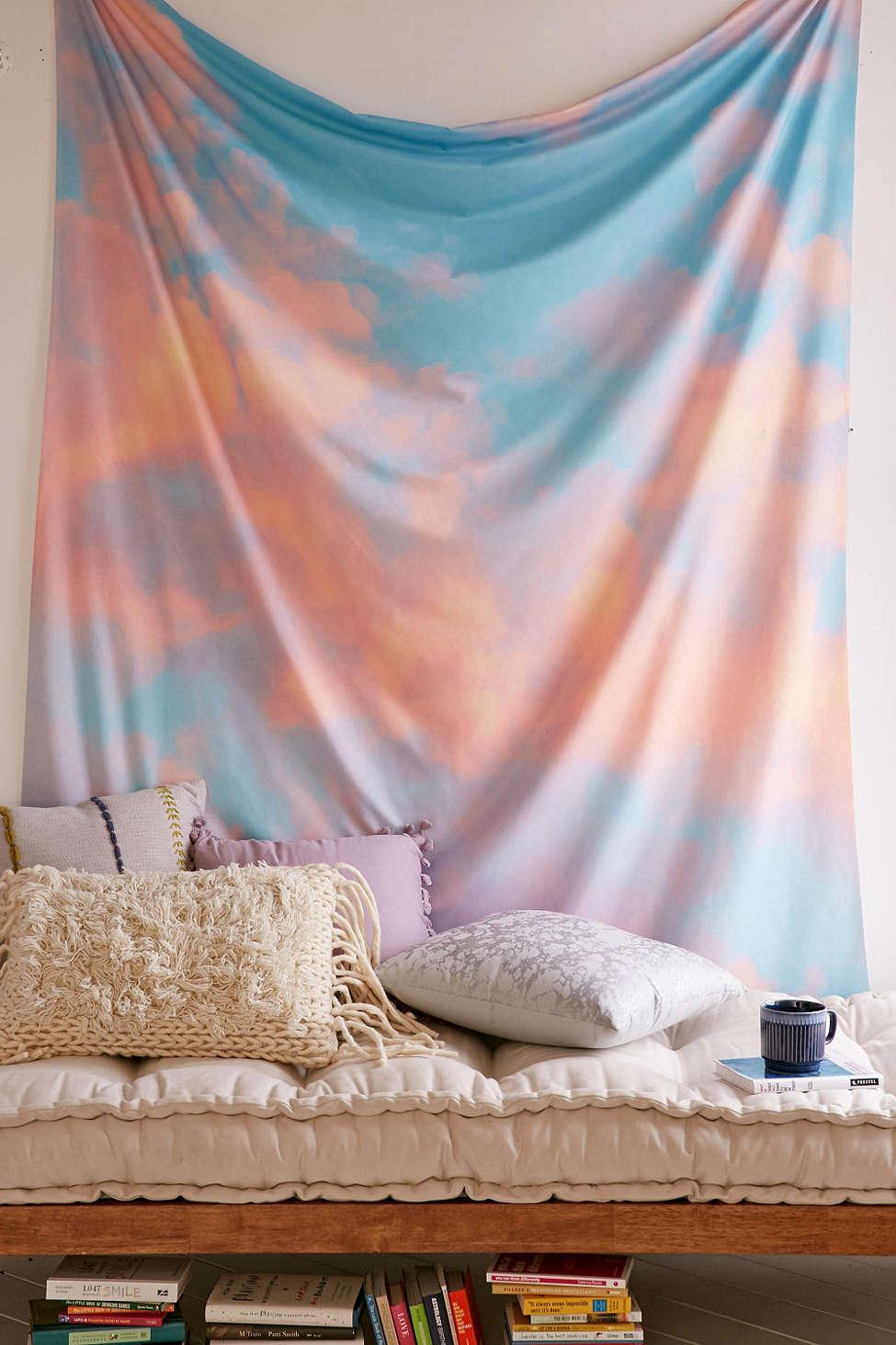 牆上換上新色、變化居家佈置風格、換上新窗簾&床單等小事,都能帶給我們嶄新的心情~心裡有種踏實的感覺呢☆