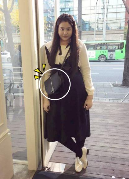 雪炫在《橘皮馬末蘭果醬》中背的包包和柳仁英在《Oh My Venus》背的這款包也是他們家的呦!