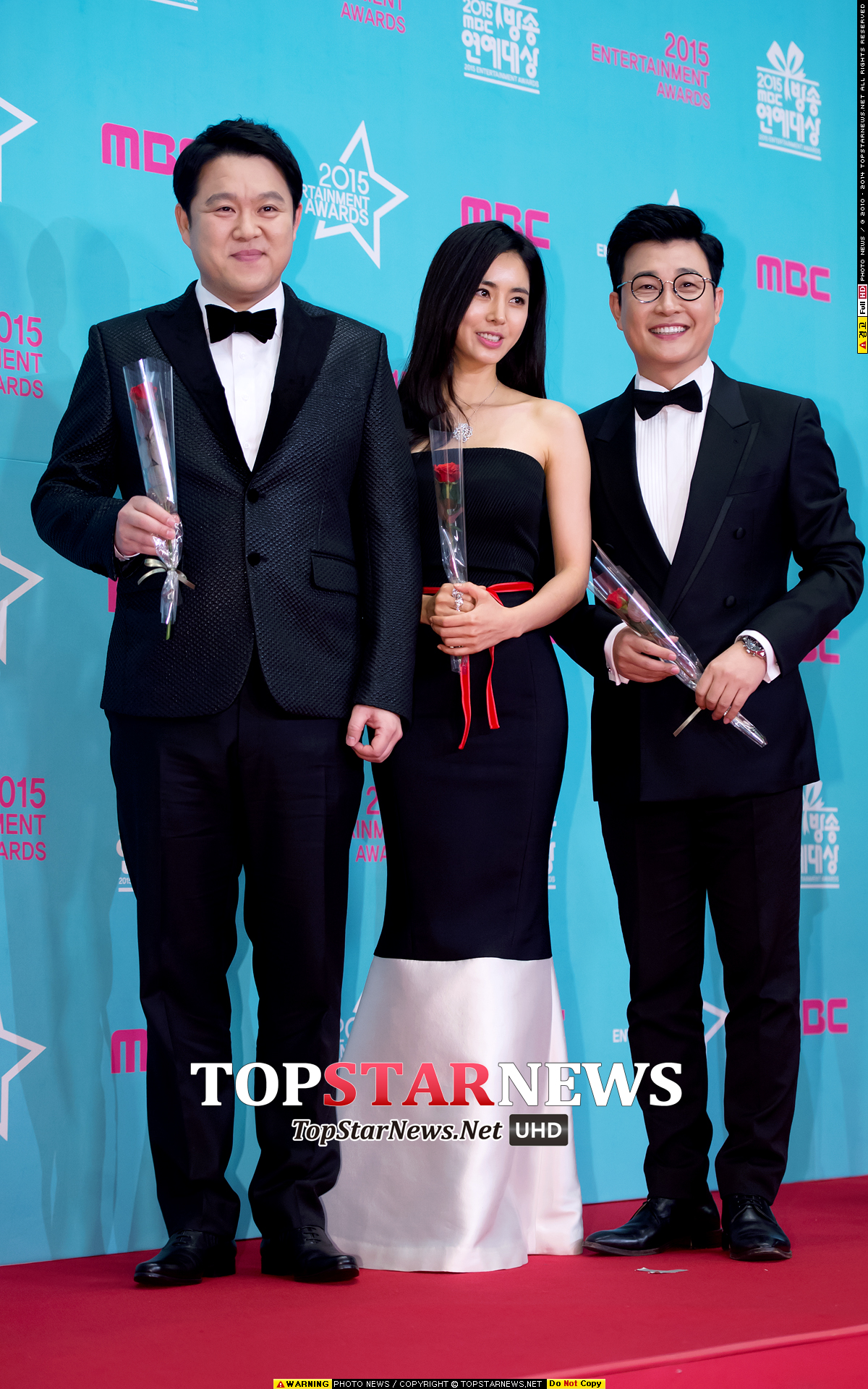 於昨晚舉行的《MBC演藝大賞》頒獎典禮由金九拉、韓彩雅及金成柱一同主持,現場集結了來自綜藝、戲劇及歌謠界的演藝人員們,可以說是眾星雲集