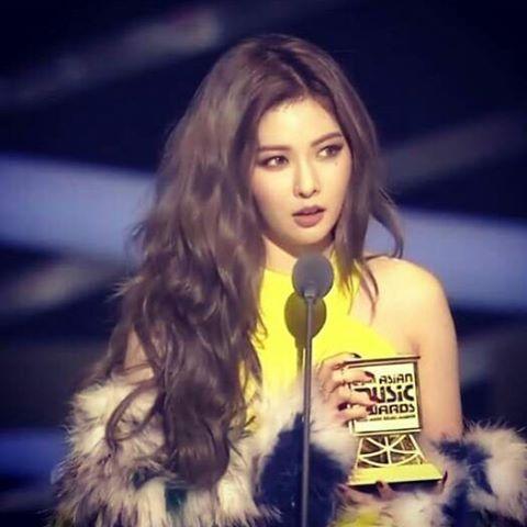 ★ 第二是Mnet Asia Music Awards,簡稱MAMA,前身是辦了10年的Mnet KM Music Video Festival(MKMF),再加上改成MAMA後又辦了7年,總共17年的歷史讓這個頒獎典禮意義重大,從2010年開始都在亞洲各國舉辦,有意圖要做為亞洲最盛大的音樂頒獎典禮之一!