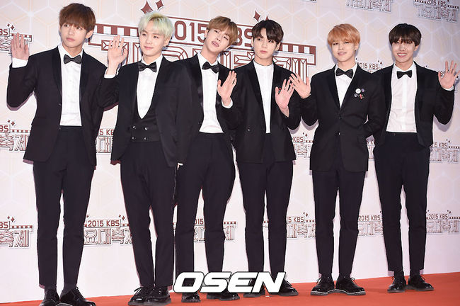 今晚應該可以改名成 BTS防彈王子團 吧?哈哈哈,禮服完全合適呀!
