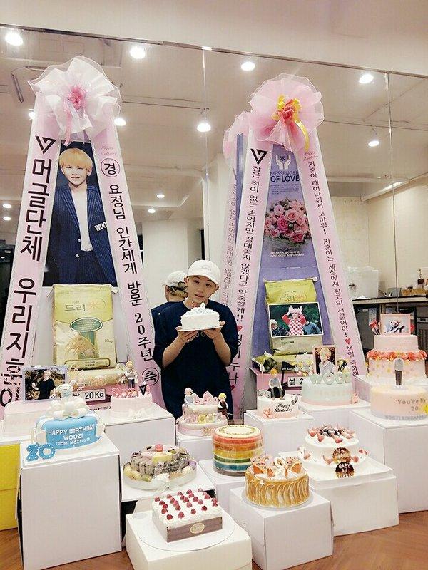 之前 Woozi 生日也收到超多蛋糕的!