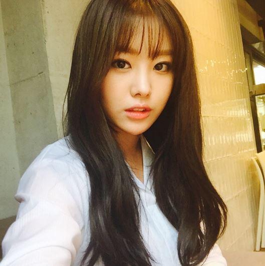 今年演出tvN 《超人時代》、 網路劇《初戀不變的法則》以及 KBS日日劇《我們家蜜罈子》的枝恩,今年在戲劇方面表現傑出,也因為演出日日劇,讓其他年齡層的韓國民眾也更加認識她。