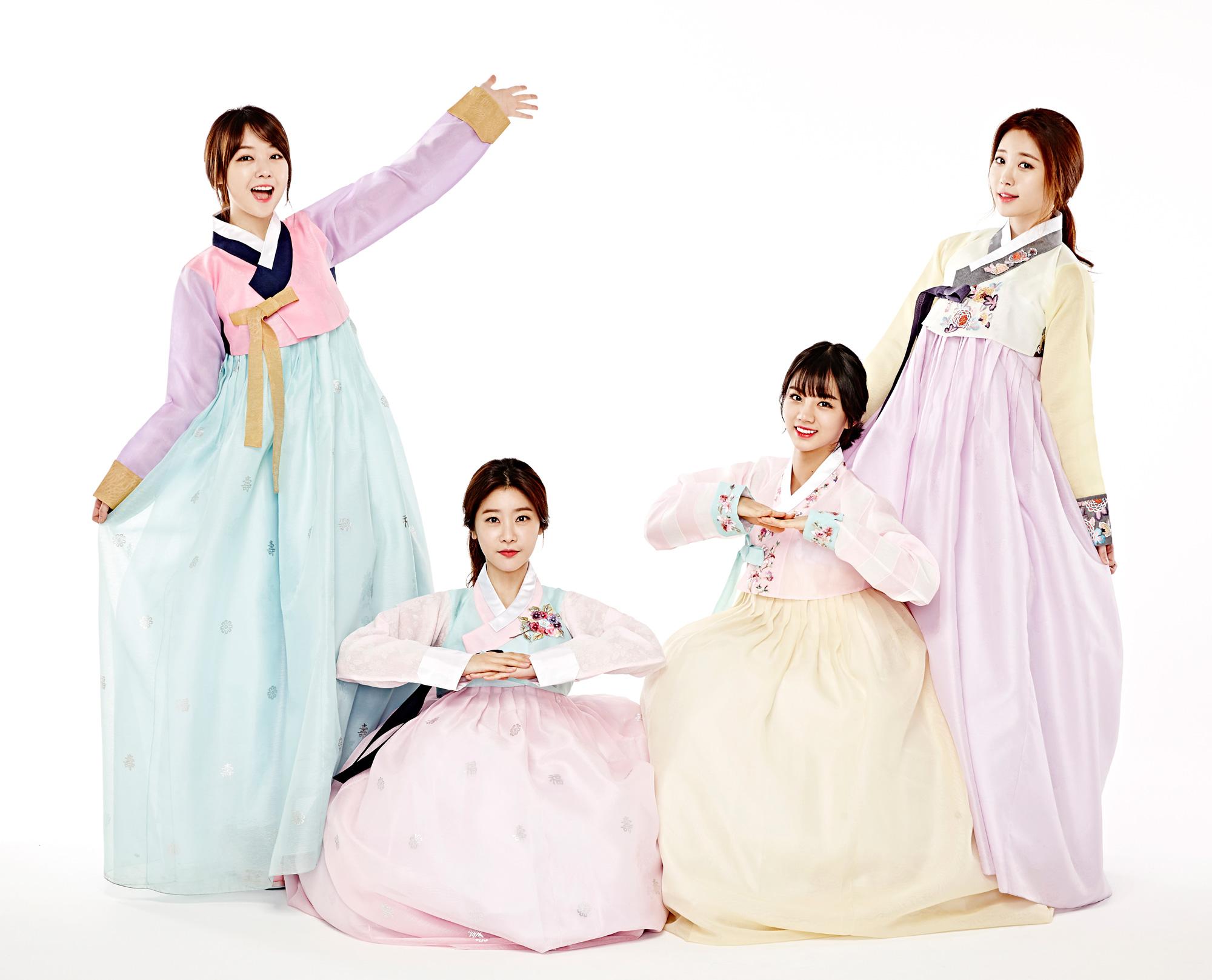 現在大家看到的 就是今年團體內最多世界百大美女的GIRL'S DAY的韓服照~