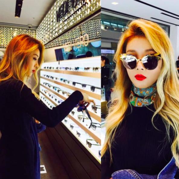 還有韓星不可缺少的太陽眼鏡和性感的大紅唇