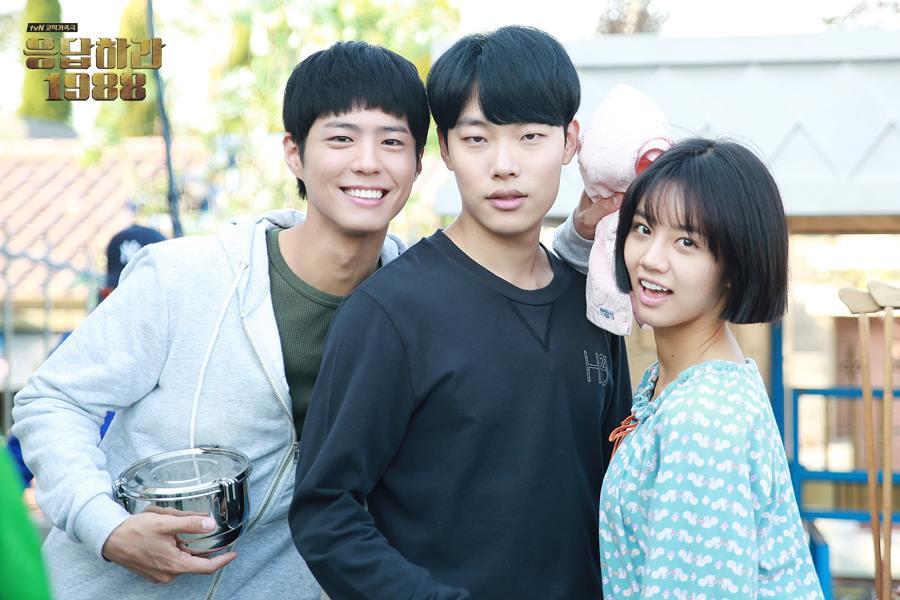 ✿柳俊烈 因為戲劇《請回答1988》人氣大漲的柳俊烈,雖然沒有美男外貌,但身上散發的真男人氣息,讓韓國女性們最近都愛上他了♥